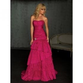 красивое длинное темно красное платье - модель 2013 года.